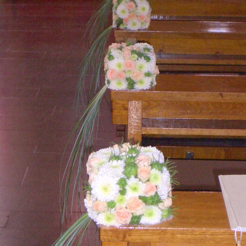 Hochzeitsfloristik Bankschmuck