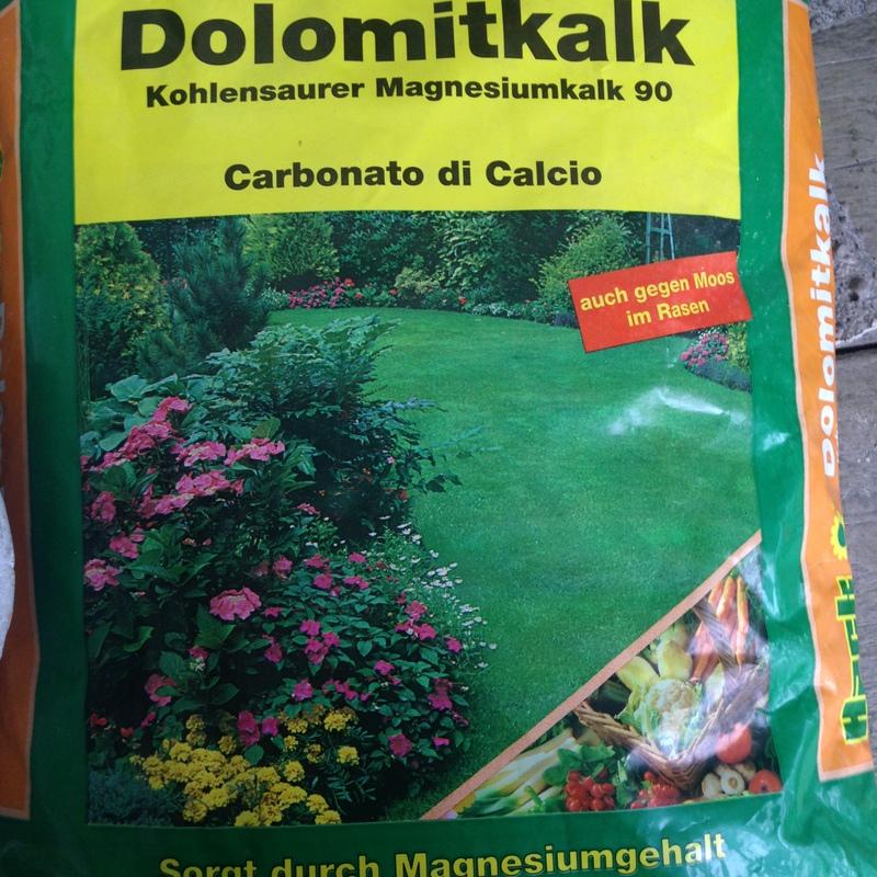 Organischer und mineralischer Dünger Dolomitkalk
