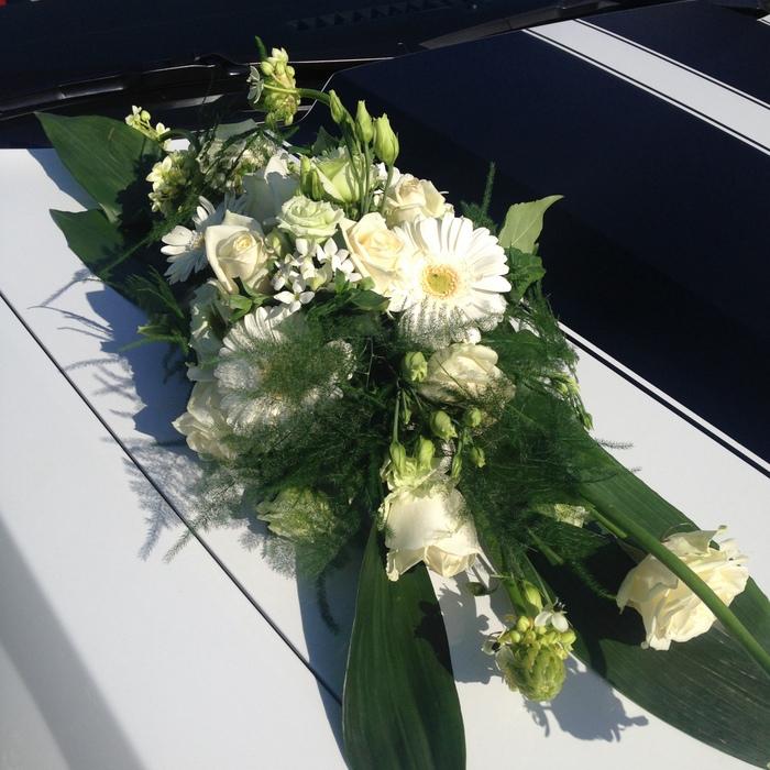 Hochzeitsfloristik Autoschmuck 2